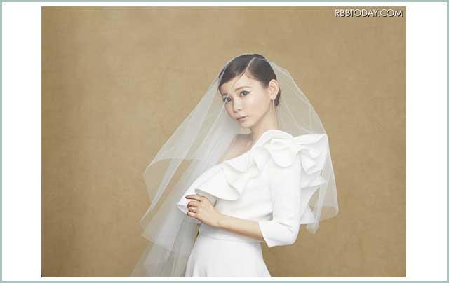 中川翔子、エレガントなウエディング姿を披露!結婚への思い語る /+その他
